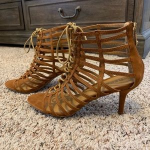 Report Lace Up Heel Sandal